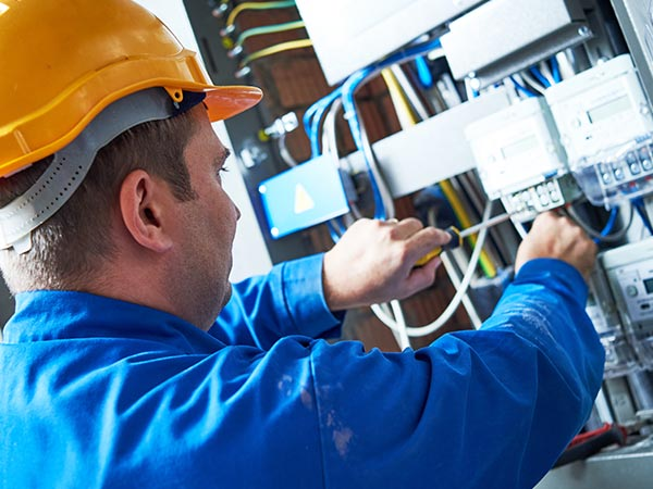 commercial-electrician-service-image